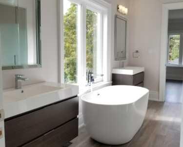 Unique minimalistic bathroom design