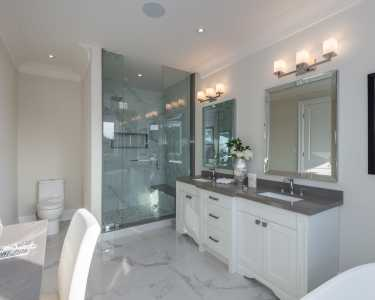 Washroom design by Black Pearl in North York