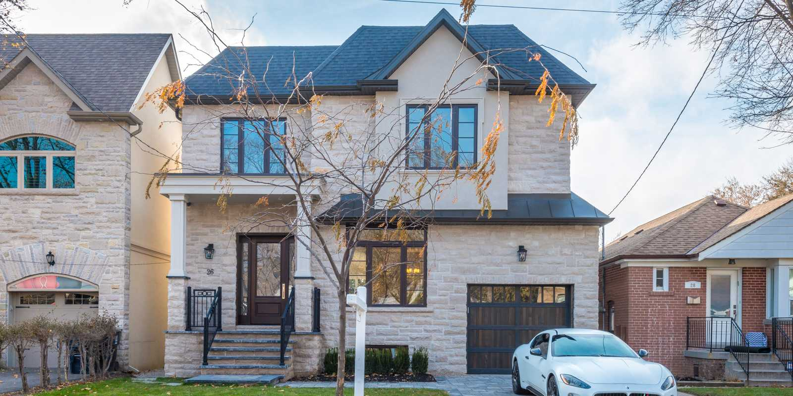 Custom House in North York by Black Pearl cutom homes