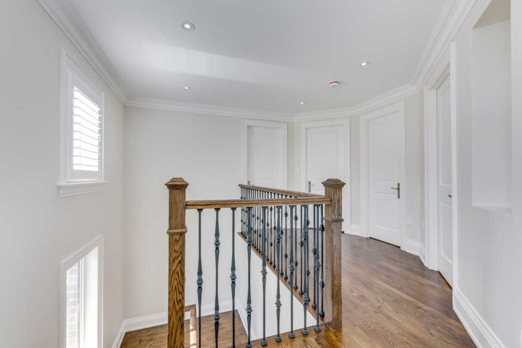 custom home 2nd floor staircase