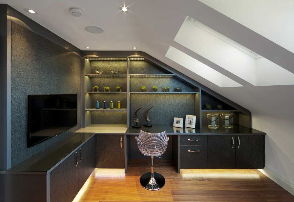 amazing home office in the Attic build by black pearl custom homes toronto