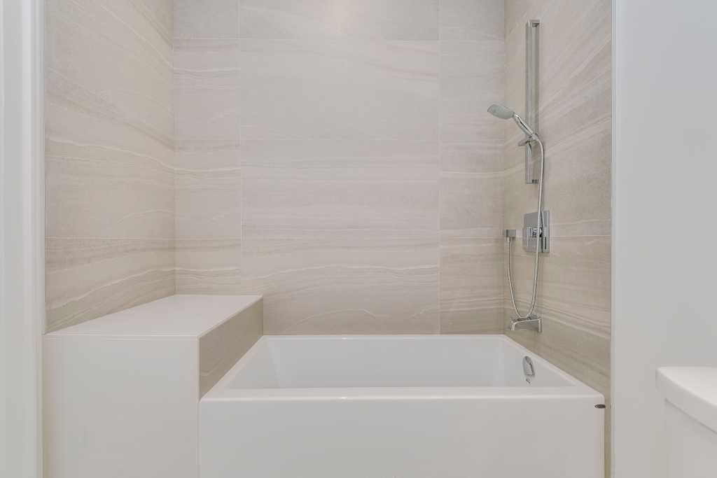 build in bathtub with siting bunch - design your dream house