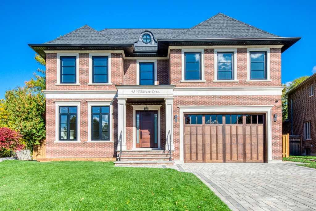 exterior house design by black pearl custom homes toronto
